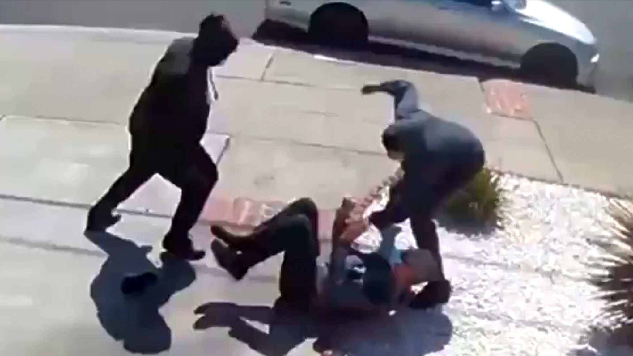 <p>Elderly Asian Man Cries Out for Help While Bay Area Teens Attack Him thumbnail
