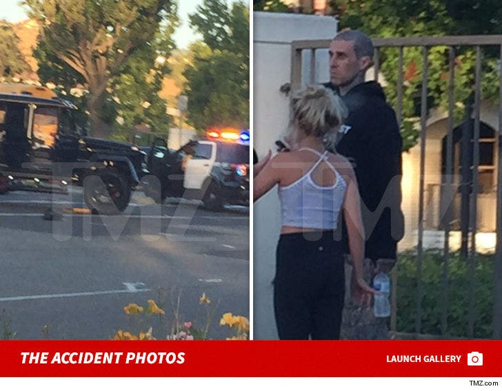 Travis Barker Bus Accident Photos