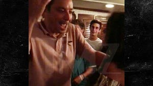 Jimmy Fallon Drunkenly Sings Guns N' Roses in the Hamptons