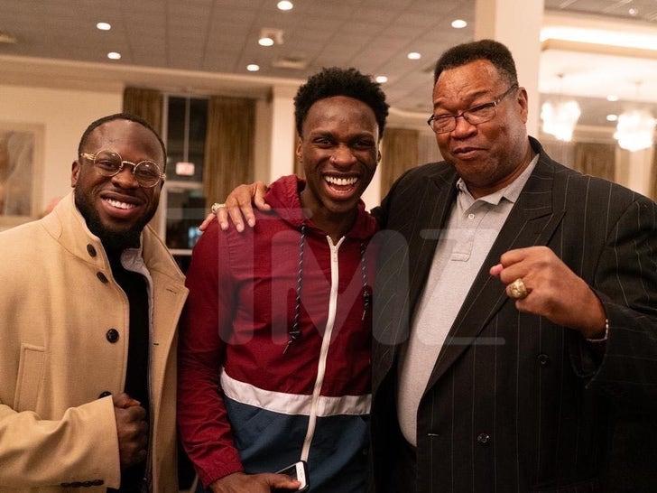 Osundairo Brothers Backstage With Big Boxers