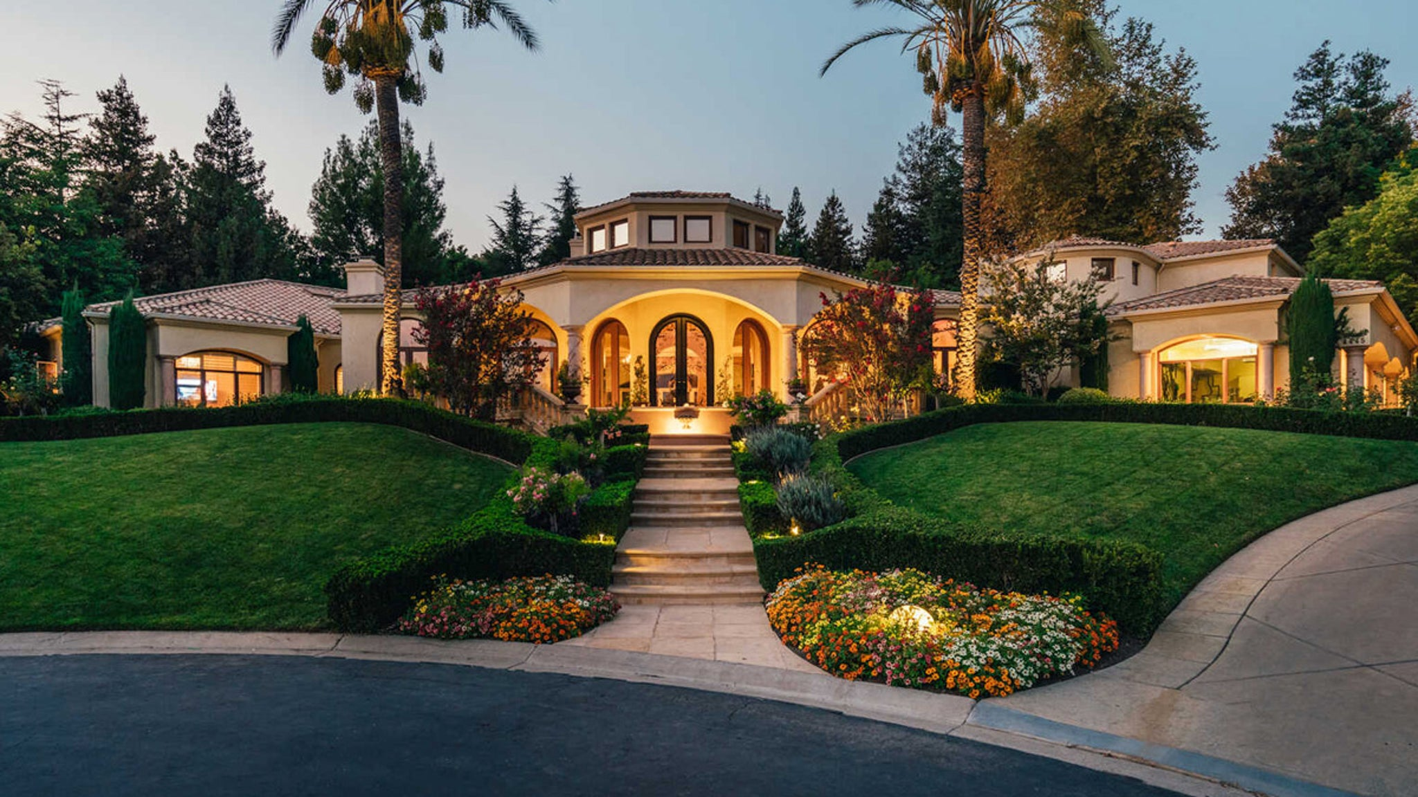 Mötley Crüe's Nikki Sixx Lists L.A. Home for $5.7 Million