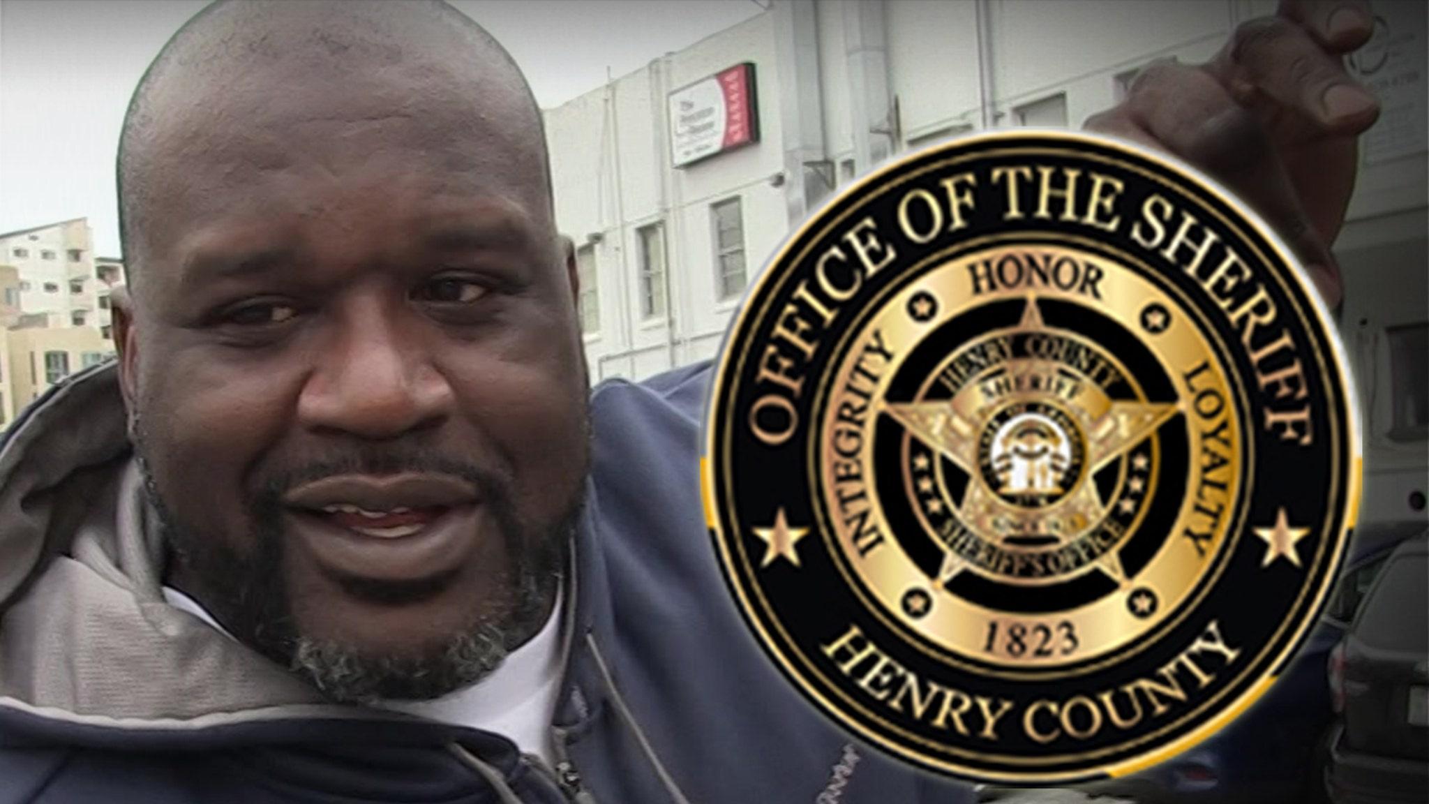 Шак нанят офисом шерифа в штате Джорджия, директором по связям с общественностью!