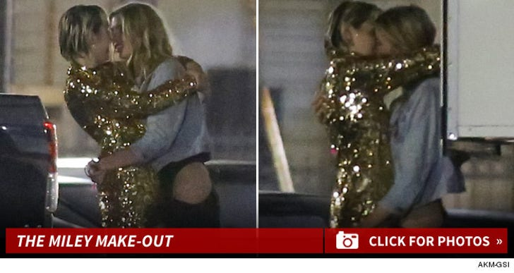 Miley Cyrus -- Makin' Out with Hot New Chick