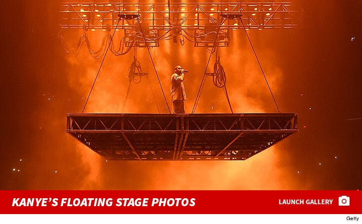 Kanye West's Performance Photos