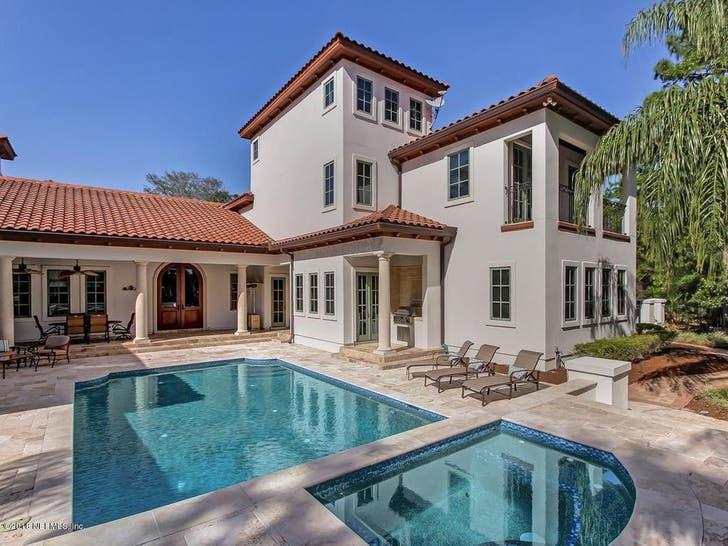 Urban Meyer Buys Jacksonville Mansion