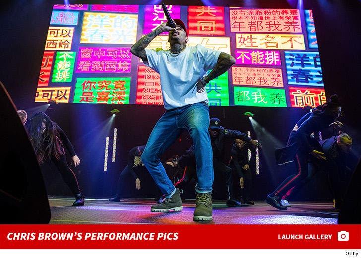 Chris Brown's Performance Photos