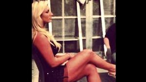 Hulk Hogan -- Hey Check Out My Daughter's HOT LEGS