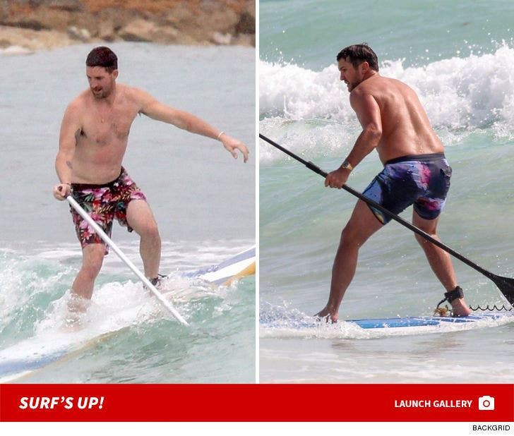 Luke Bryan and Jake Owen Paddleboardin' In Mexico -- Surf's Up!