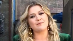 Kelly Clarkson Wins Primary Custody of Children in Divorce, Husband Wants $436k Monthly