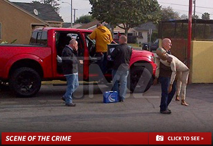 Cops Recreate Suge Knight Scene