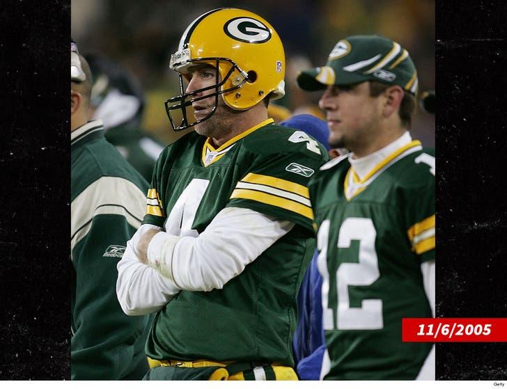 on sale 76c0b cb053 Brett Favre Calls Aaron Rodgers 'Best Player In NFL'