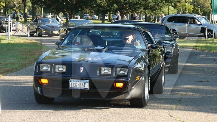 New Trans Am >> Burt Reynolds Honored At New York Car Show With 100 Trans