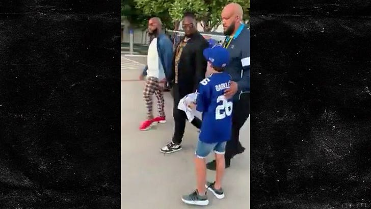 on sale 76e9d 5bd8b Saquon Barkley Invites Fan Dissed By DeMarcus Lawrence To ...