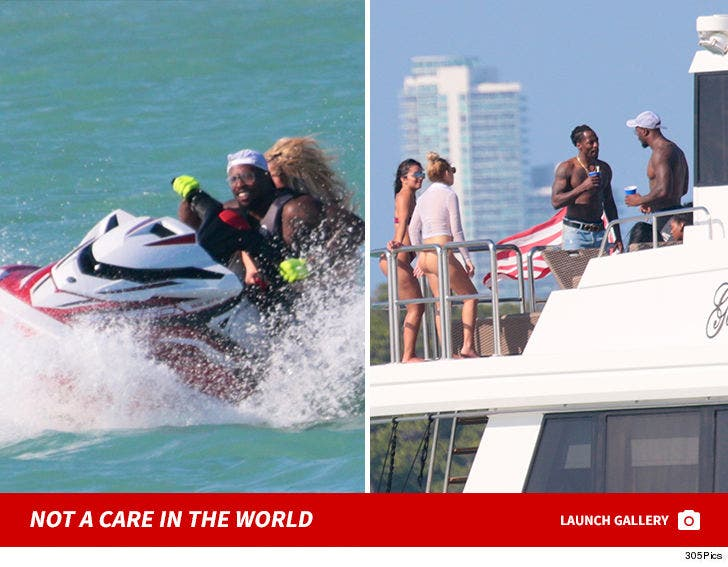 Von Miller Hits up Yacht with Bikini Chicks and Jet-Ski's