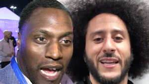 Colin Kaepernick Deserves Statue In The Smithsonian, Ex-Teammate Says