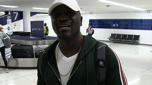 Akon Defends 'Hero' Bill Cosby Following Sexual Assault Conviction