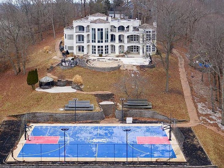 Nelly Unloading Missouri Mansion for $600k