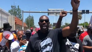 Terrell Owens Leads March for Kaepernick, 'They Owe Him a Job!'