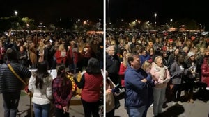 'Growing Pains' Star Kirk Cameron Holds Massive Christmas Carol Gathering
