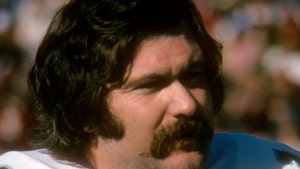 Famed NFL Kicker Tom Dempsey Dead From Coronavirus At 73