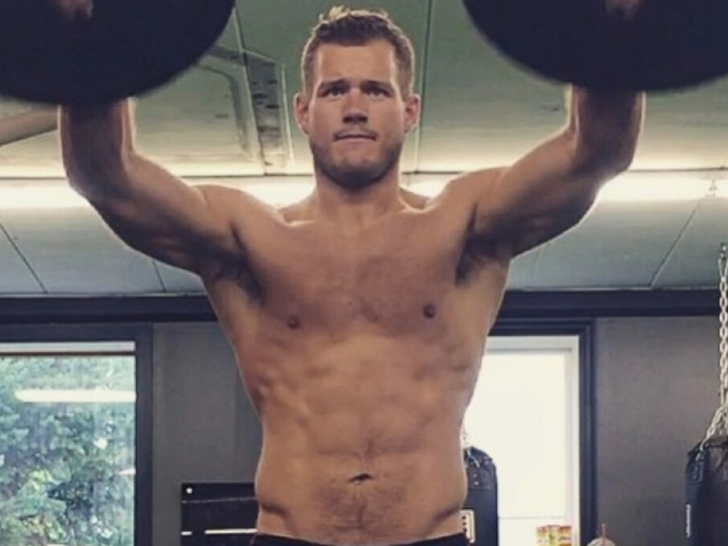 Colton Underwood's Shirtless Shots