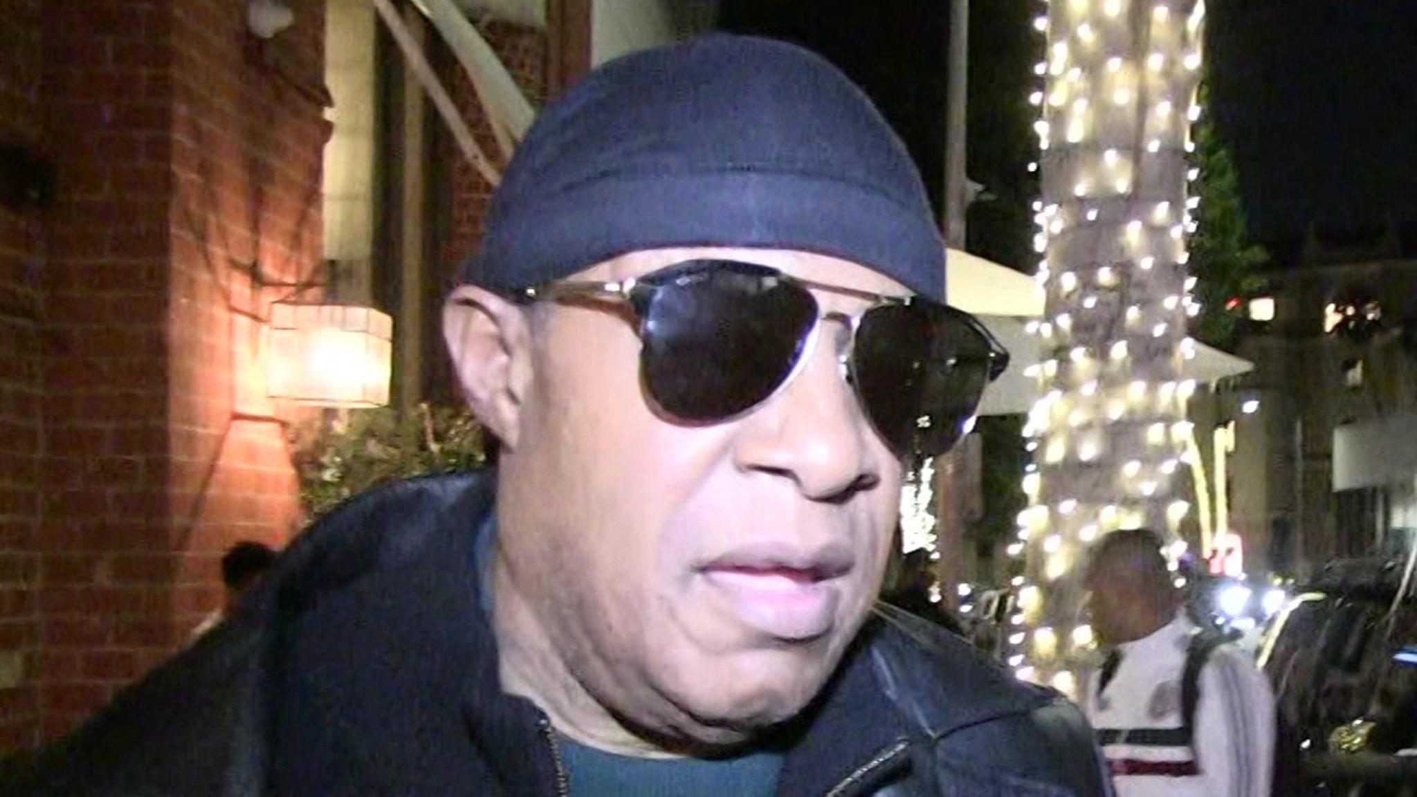 Stevie Wonder Says He Needs Kidney Transplant Amid Dialysis Rumors