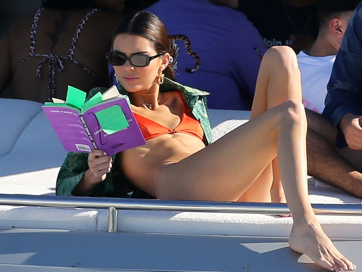 Kendall Jenner's Hot Bikini Shots