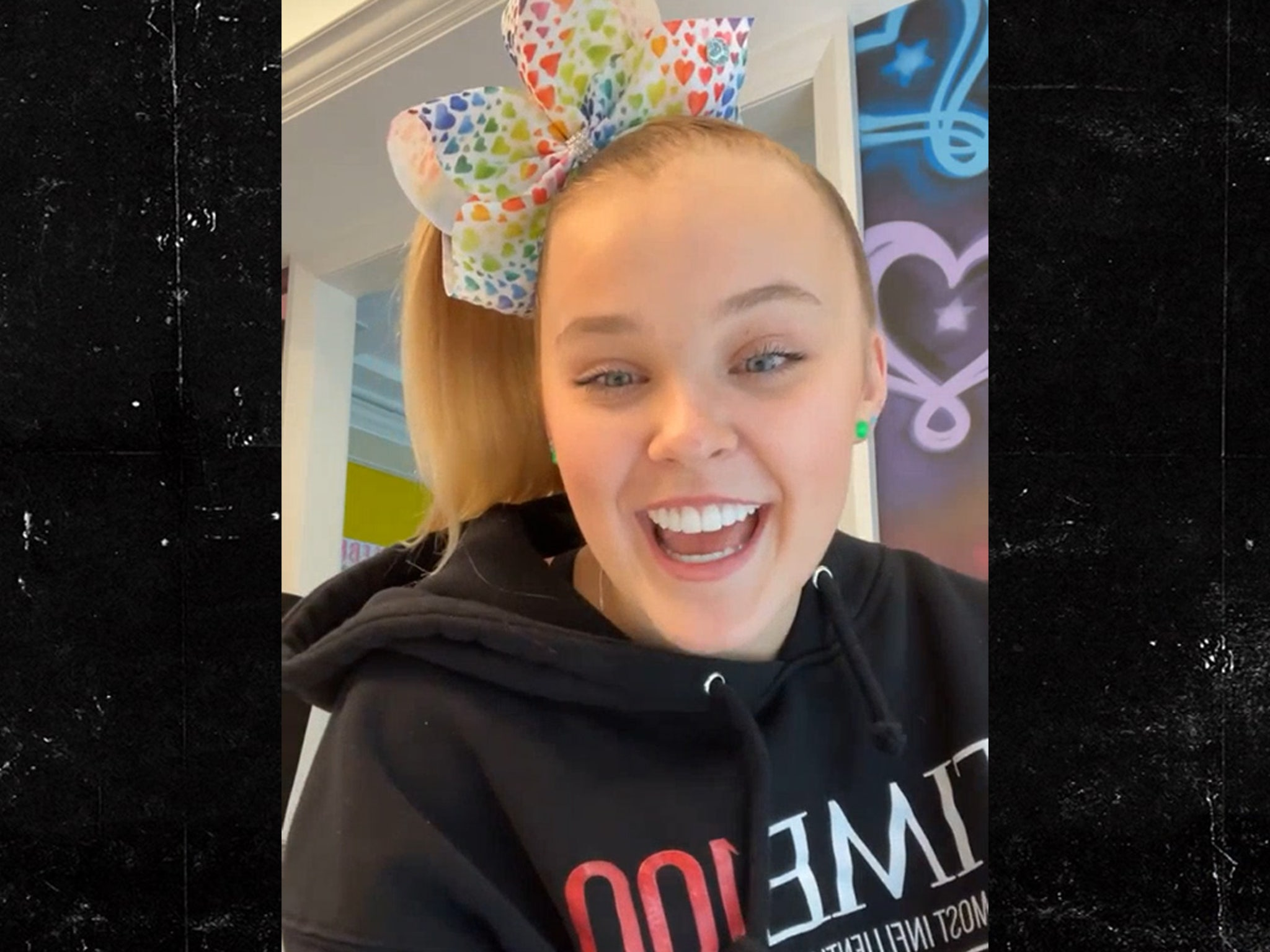 Jojo Siwa Comes Out Confirms She S Part Of Lgbtq Community