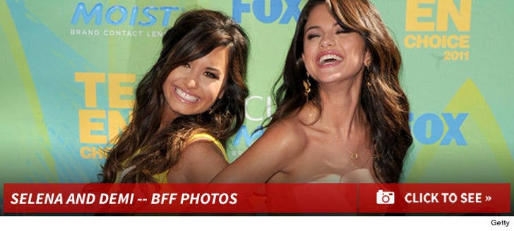 Selena Gomez and Demi Lovato BFFs!