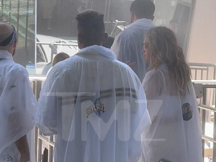Ben Affleck and Jennifer Lopez at Jurrasic World