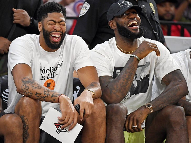 LeBron And The Lakers -- Courtside for WNBA Playoffs in Vegas