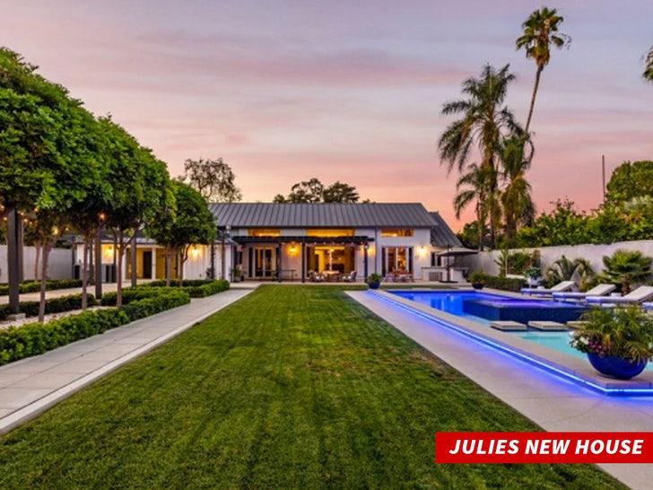 Julie Bowen new house