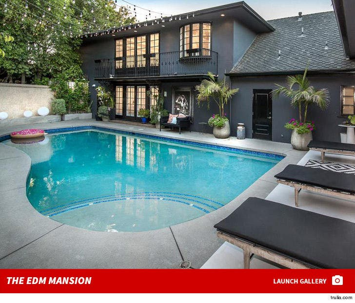 Calvin Harris -- New EDM Mansion