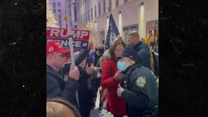 NYPD Cop Shouts Down Protesting Trump Supporter Who Won't Wear Mask