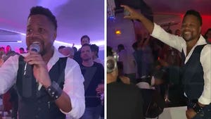 Cuba Gooding Jr. Celebrates Birthday at Club, Sings Journey
