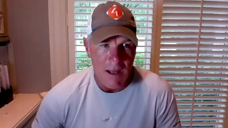 Brett Favre Warns Packers To Fix Aaron Rodgers Drama, He's Not Bluffing About Sitting Out!.jpg
