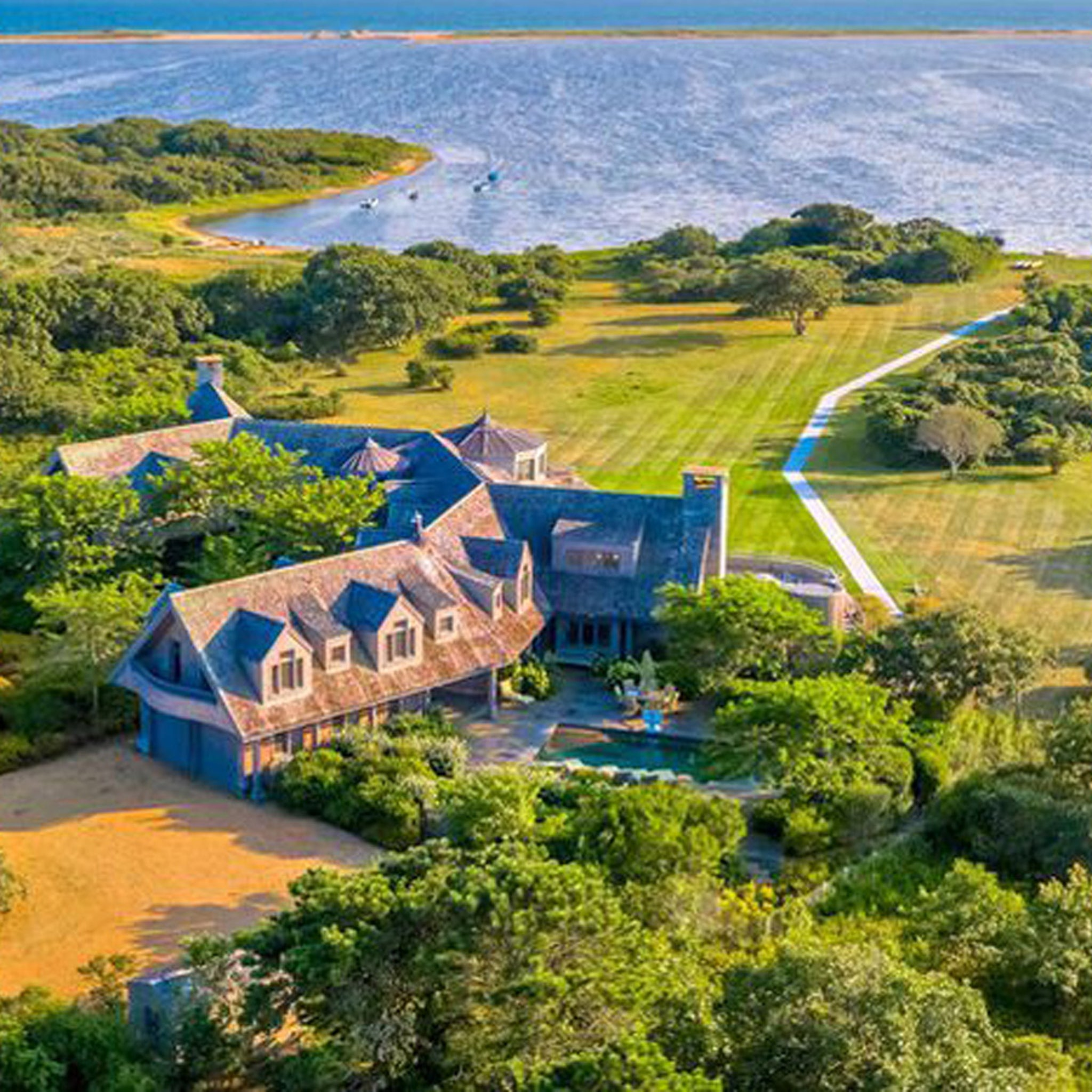 Image result for obamas martha's vineyard mansion
