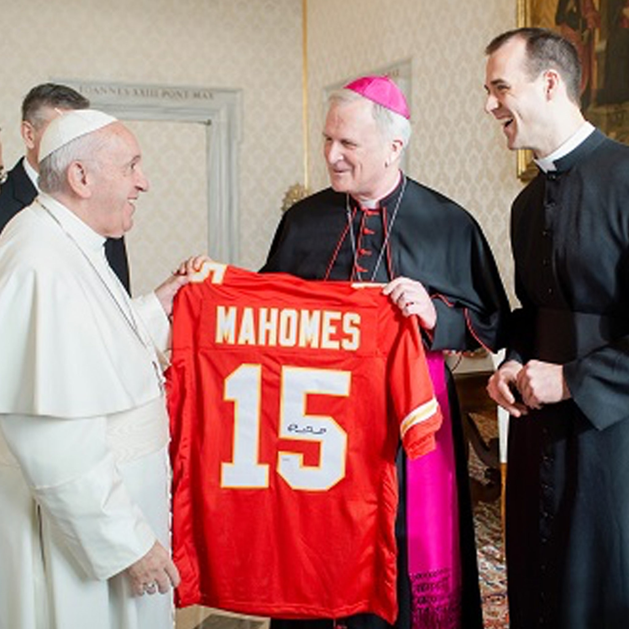 Pope Francis Gifted Patrick Mahomes Jersey Before AFC Championsip Game