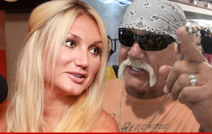 Hulk Hogan Brooke Defends Dad with a Poem?!?