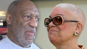 Bill Cosby's Wife Camille Seen Without Wedding Ring, Rep Denies Any Trouble