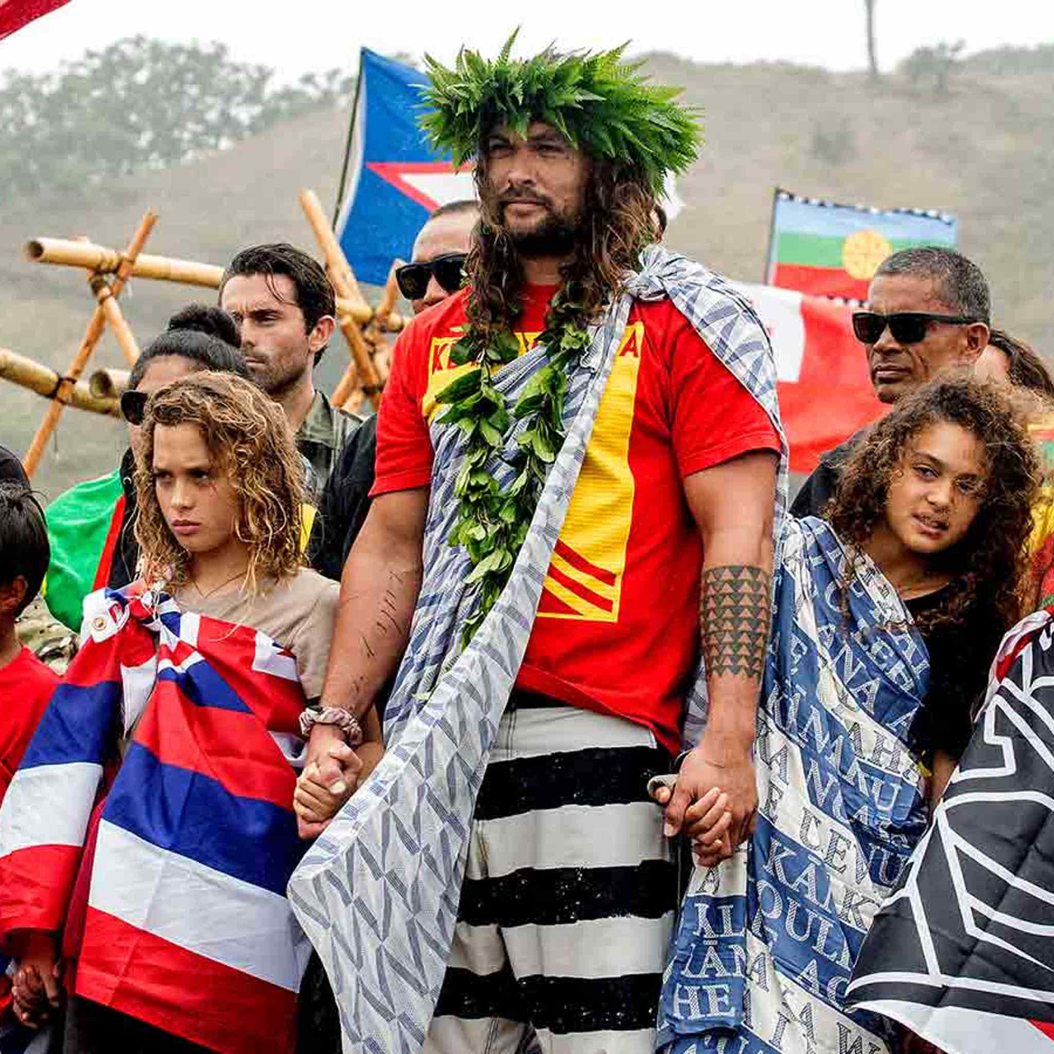 Jason Momoa Latest Celeb to Joins Protesters in Hawaii