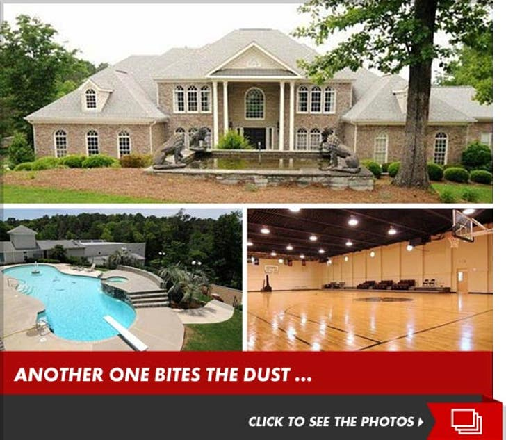 Terrell Owens Sells His Georgia Mansion