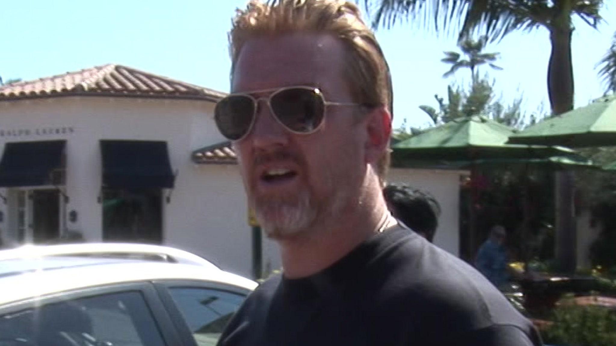 QOTSA Singer Josh Homme's Kids File for Restraining Order Against Him thumbnail