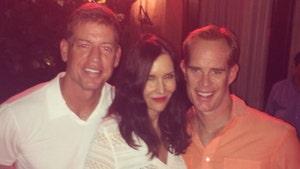 Joe Buck -- Marries Super-Hot Ex-NFL Cheerleader Michelle Beisner