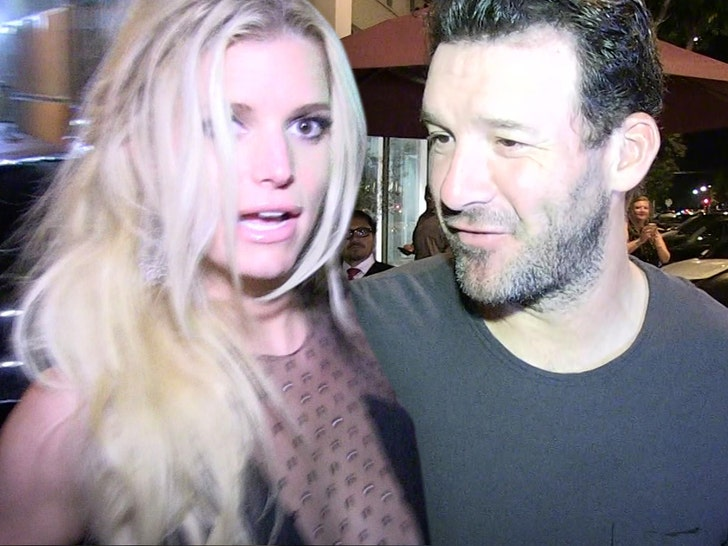 Tony Romo Dumped Jessica Simpson Via E-Mail, Thought She Cheated