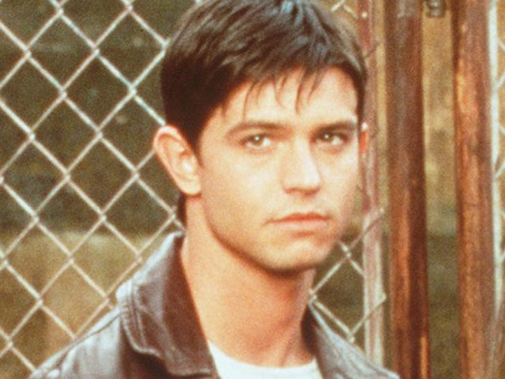 Max Evans on 'Roswell' 'Memba Him?!