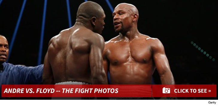 Floyd Mayweather vs. Andre Berto -- The Fight Photos