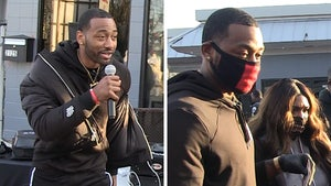 John Wall Hands Out 1,000 Meals In D.C., Fan Brings Up Trade Rumors to NBA Star