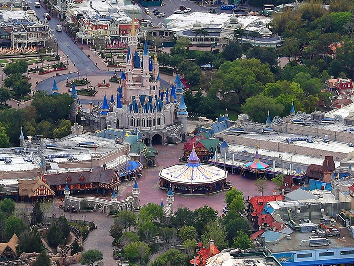 Disney World suspended 43000 workers
