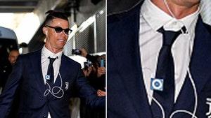 Cristiano Ronaldo Rocks Ancient Music Device, Is That an iPod Shuffle?!